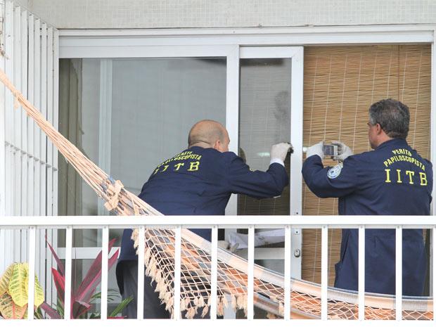 Apartamento do professor foi periciado na quinta-feira - Crédito: Foto: Guga Matos/JC Imagem/AE