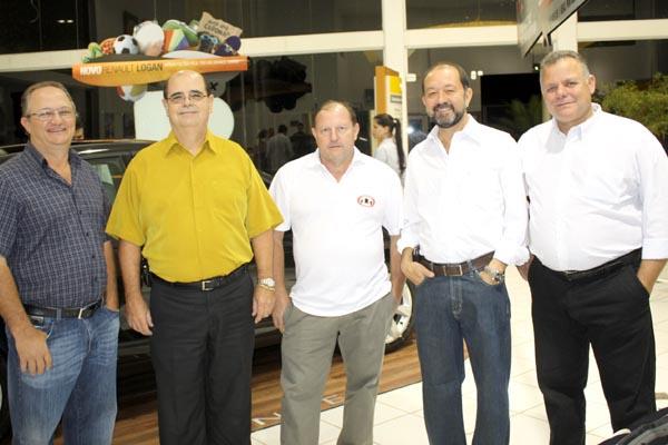 Hermes Zornita, Dr. Arnaldo, Dirceu Bortolanza, Manoel e Francisco - Crédito: gerente