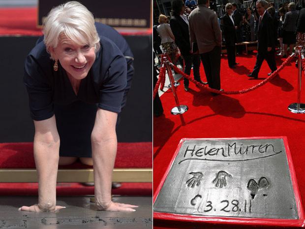 A atriz Helen Mirren deixa as marcas de seus pés e mãos na Calçada da Fama, em Hollywood - Crédito: Foto: AP