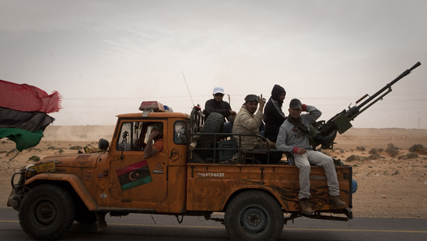 Rebeldes líbios movimentam-se nesta terça-feira - Crédito: Foto: AP