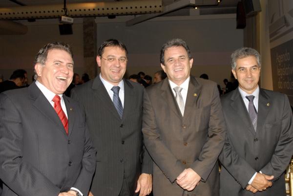 Giroto, Longen, Moka e Azambuja durante lançameto da Agenda Legislativa Foto: div. -