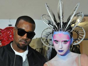 """Kanye West e Katy Perry, nos bastidores do clipe de \""""E. T.\"""" - Crédito: Foto: Divulgação"""