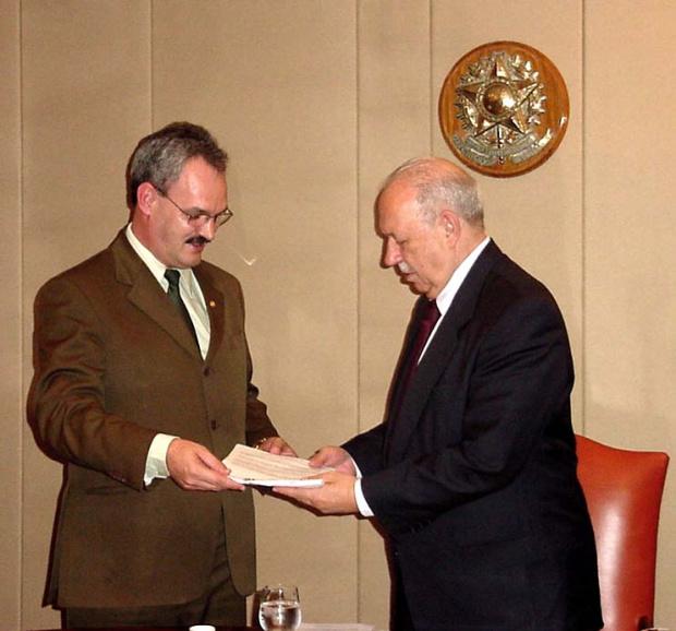 Em 2003, Alencar recebeu de Geraldo o projeto que criava a UFGD - Crédito: Foto : Arquivo