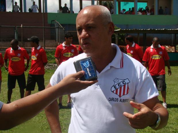 Diretoria, técnico e jogadores da Comercial Mariano pedem apoio da torcida douradense - Crédito: Foto: Divulgação