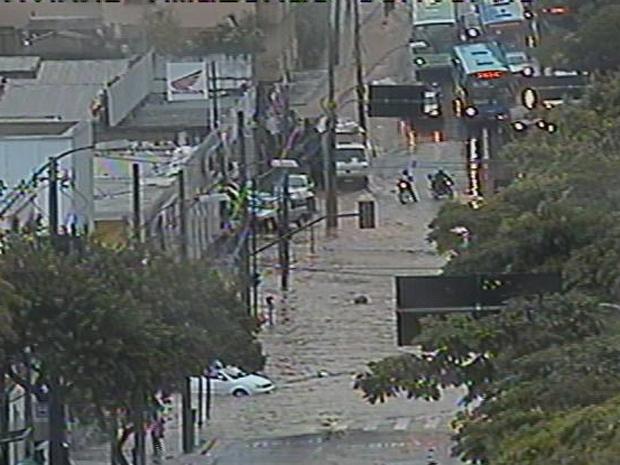 A Chuva que caiu na tarde desta quinta-feira - Crédito: Foto: Reprodução TV Globo