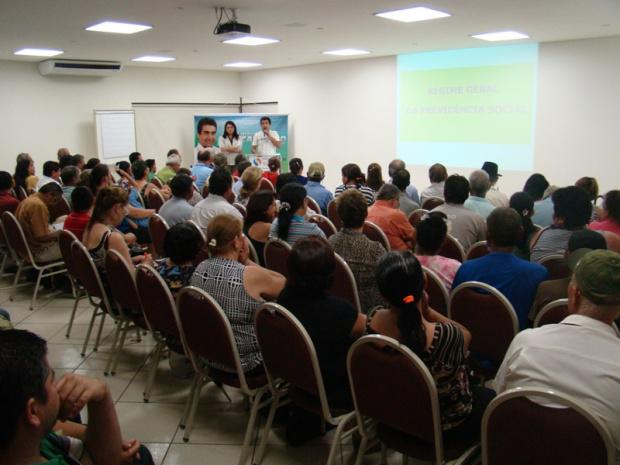 Marçal e a advogada Sueli Mendes durante palestra que reuniu cerca de 150 pessoas - Crédito: Foto: Divulgação