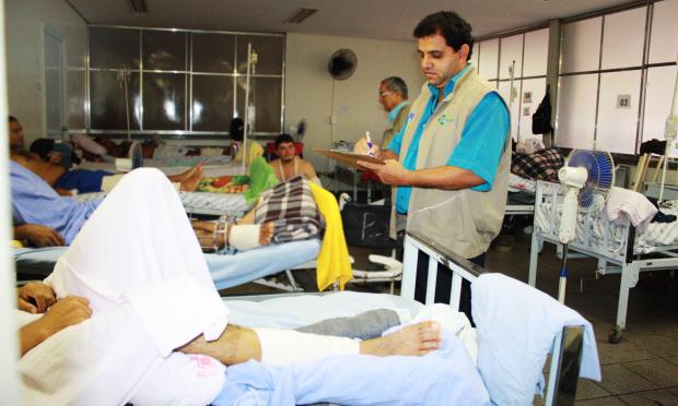 Sem conseguir encaminhar pacientes para outros hospitais, HV enfrenta superlotação - Crédito: Foto: Hédio Fazan/PROGRESSO