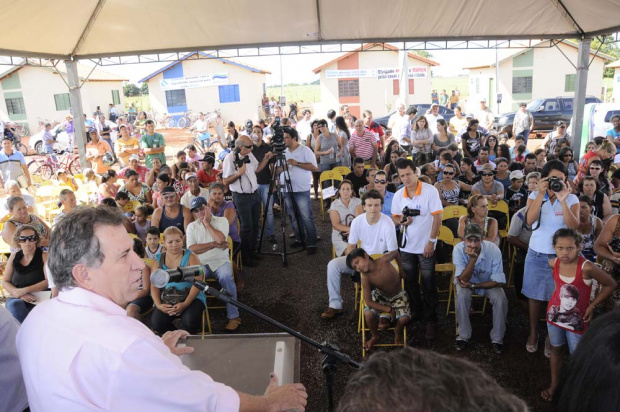 Giroto promete empenho para garantir a construção de 50 mil casas populares no Estado - Crédito: Foto: Divulgação
