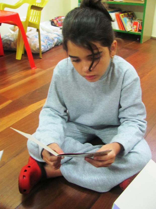 Professora da Unigran diz que a leitura na infância estimula imaginação da criança -