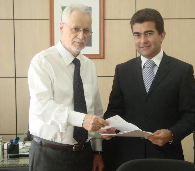 Marçal com Eliezer Pacheco, secretário Nacional de Educação Profissional e Tecnológica - Crédito: Foto: Divulgação