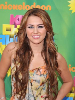 A cantora Miley Cyrus, durante Kids Choice Awards, no sábado - Crédito: Foto: AP