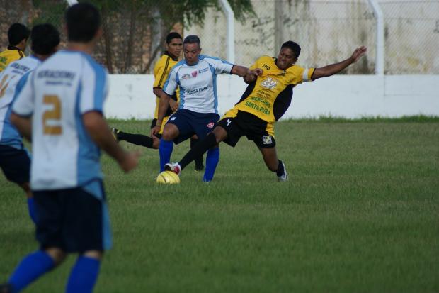 Lance da partida entre União Nova Dourados e Real Cachoeirinha - Crédito: Foto : Marcelo Humberto