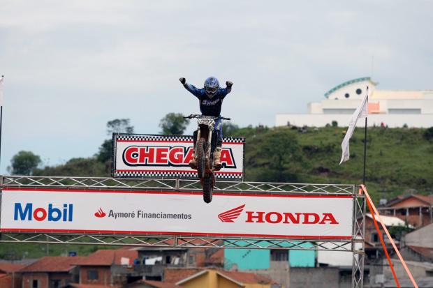 Pista de Poços de Caldas (MG) recebe disputas da Superliga Brasil de Motocross -