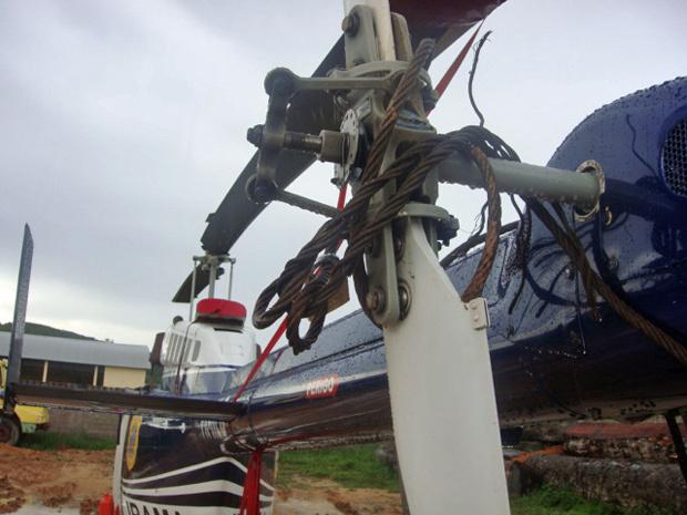 Cabos de aço amarrados em helicóptero do Ibama por manifestantes - Crédito: Foto: Divulgação/Ibama