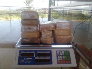 Polícia Rodoviária Estadual apreende 5,8kg de crack. - Crédito: Foto: Divulgação