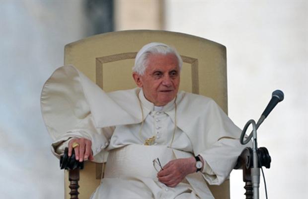O Papa Bento XVI durante sua audiência semanal na quarta-feira - Crédito: Foto: Reuters