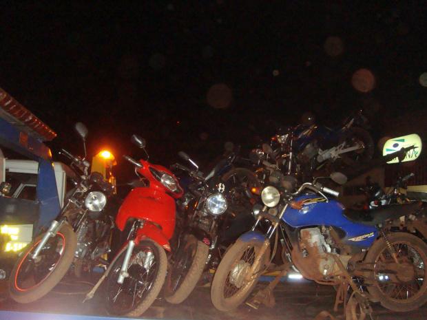 Polícia apreendeu cerca de 70 veículos irregulares em Dourados - Crédito: Foto: Cido Costa