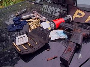 Polícia apresentou material apreendido  - Crédito: Foto: Reprodução/TV Bahia