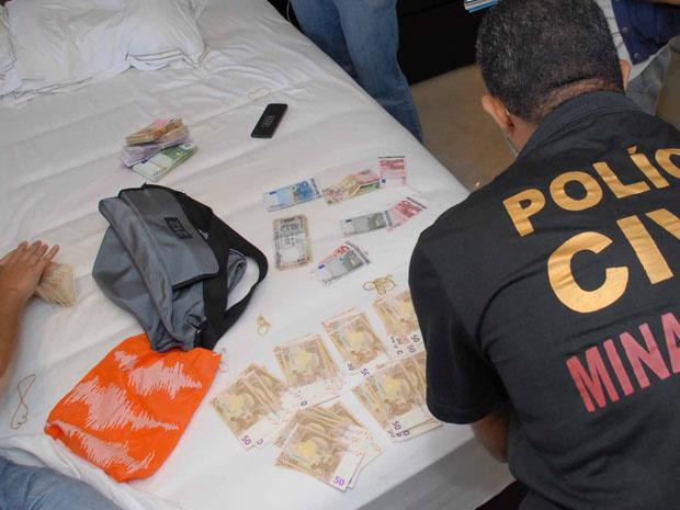 Dinheiro apreendido durante operação nas casas dos sócios - Crédito: Foto: Ministério Público Estadual