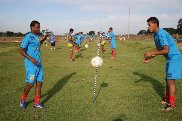 Treinos essa semana serão mais duro visando uma vitória sobre o Corumbaense no Douradão - Crédito: Foto : Hedio Fazan