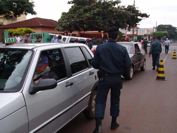 Muitos motoristas não respeitam a Lei Seca apesar do rigor das penalidades - Crédito: Foto: Hédio Fazan/PROGRESSO
