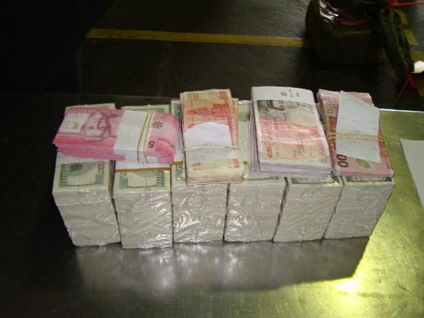 Dinheiro apreendido em aeroporto de Belém - Crédito: Foto: Divulgação/Receita Federal