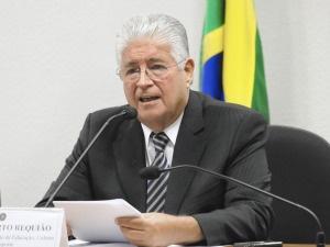 Requião consegue na Justiça direito de receber aposentadoria vitalícia como ex-governador do Paraná. - Crédito: Foto: divulgação