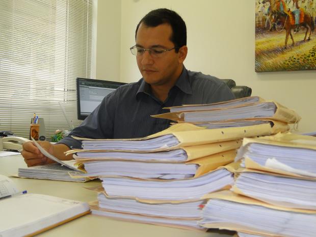 Promotor Ricardo de Melo diz que a medida coibe venda irregular de convites - Crédito: Foto: Hédio Fazan/PROGRESSO