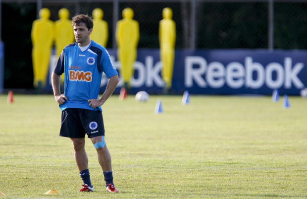 Da Argentina, cruzeirenses dedicam vitória a Montillo e ao pequeno Santino -