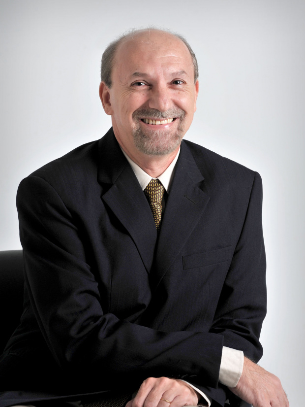 Fonoaudiólogo Ademir Garcia Baena é especialista em voz -