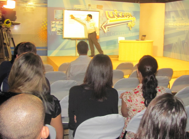 Professor explica sobre plataforma de Pós-graduação a distância -