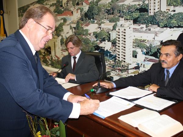 Idenor assumiu a Câmara ontem, durante sessão solene - Crédito: Foto: Hédio Fazan/PROGRESSO