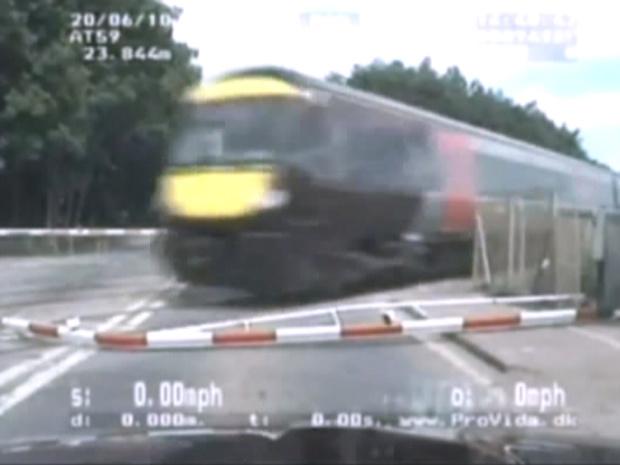 Trem \'salva\' perseguido da polícia em Peterborough - Crédito: Foto: BBC