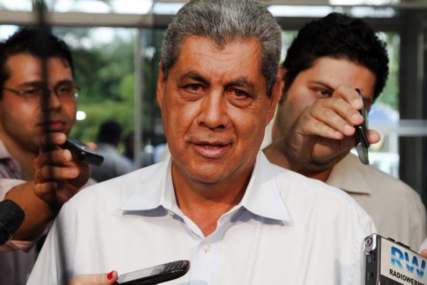 André Puccinelli admite reajustar salários dos servidores abaixo da inflação - Crédito: Foto : Rachid Waqued