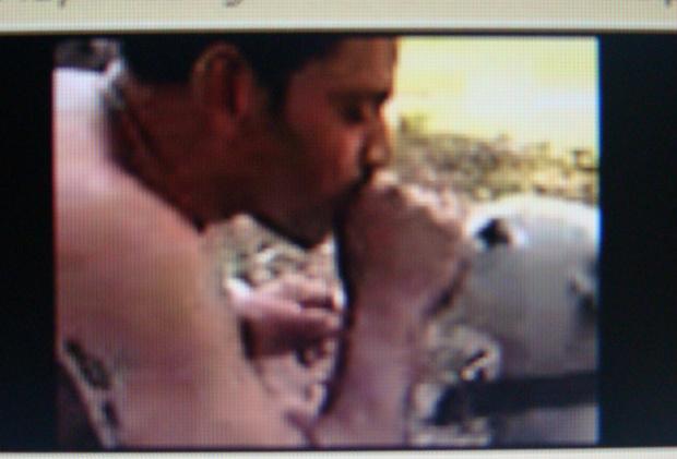 André Zucon descarregava fumaça na narina do cão - Crédito: Foto: Vídeo/ celular
