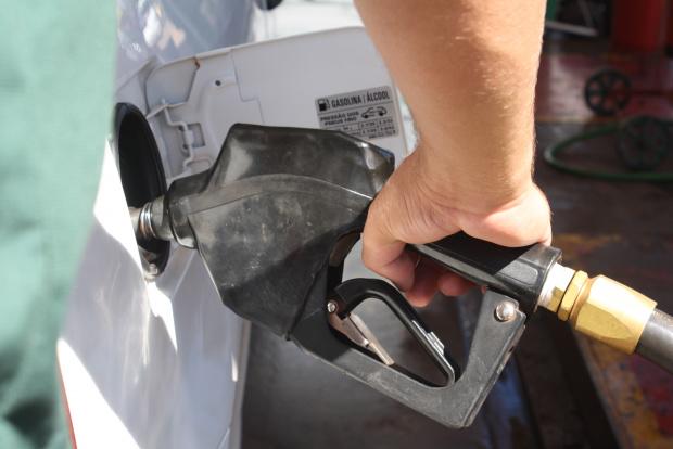 Preço do combustível poderá cair devido à colheita da cana-de-açúcar - Crédito: Foto : Hedio Fazan/PROGRESSO