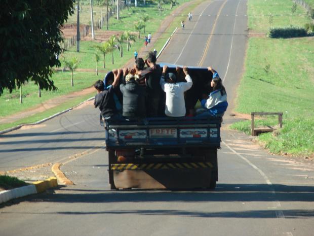 Sem fiscalização, donos de mercados desrespeitam a legislação - Crédito: Foto : Vilson Nascimento