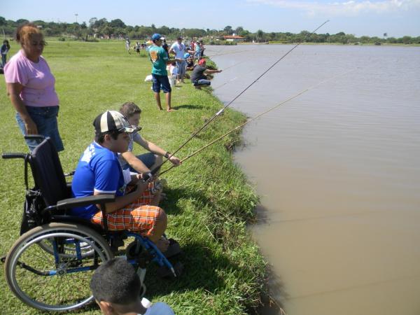 """A Festa do Peixe começou com torneio de Pesca, na modalidade \""""parapesca\"""" Foto: div. -"""