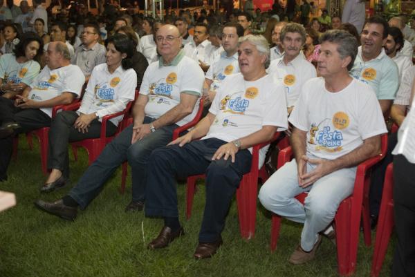 Autoridades presentes na abertura da Festa do Peixe Foto: div. -