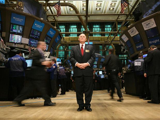 O CEO da GM, Daniel Akerson, na abertura na bolsa de NY em novembro de 2010 - Crédito: Foto: Divulgalção/AP