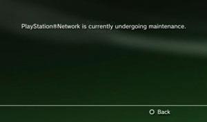 O aviso aos jogadores que tentam se conectar na PSN continua nesta terça-feira - Crédito: Foto: Reprodução