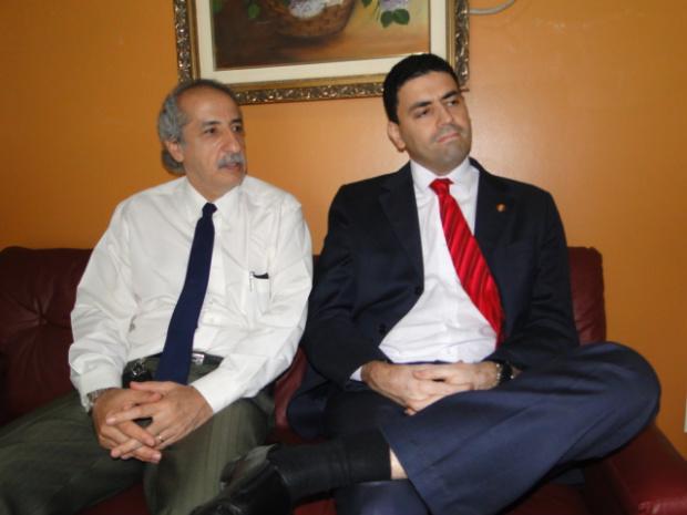 Advogado Afeife Hajj e presidente da OAB Leonardo Duarte, em O PROGRESSO - Crédito: Foto: Divulgação