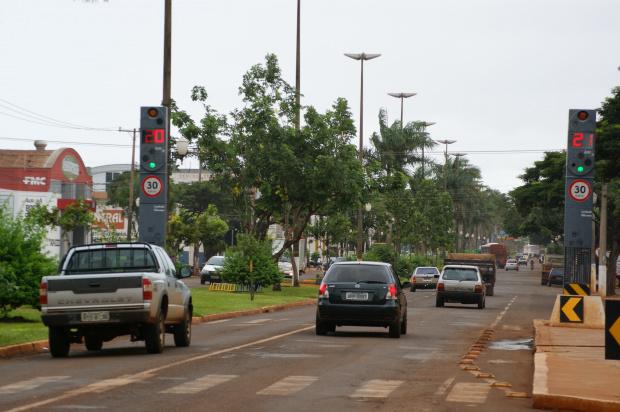 Multas registradas por 'lombadas' continuam valendo e devem ser pagas - Crédito: Foto : Hedio Fazan/PROGRESSO