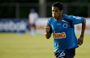 Wallyson quer Brandão à vontade em sua estreia com a camisa do Cruzeiro -