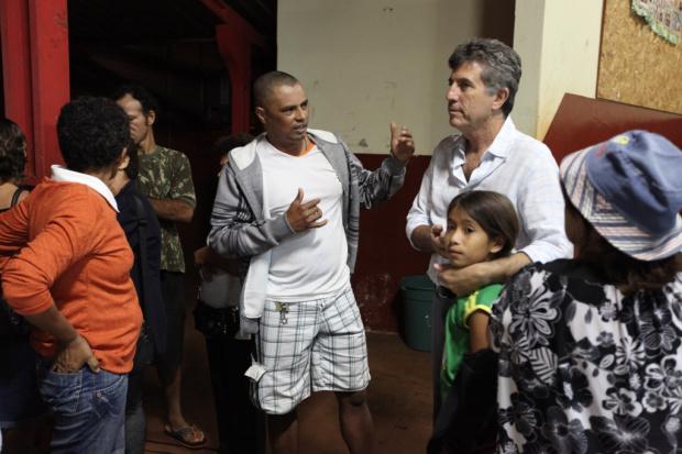 Prefeito promete a moradores do Cachoeirinha o tão esperado asfalto - Crédito: Foto : Assecom