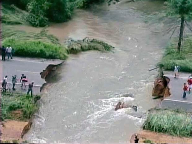 Rodovia danificada pela chuva no Pará - Crédito: Foto: Reprodução/TV Liberal