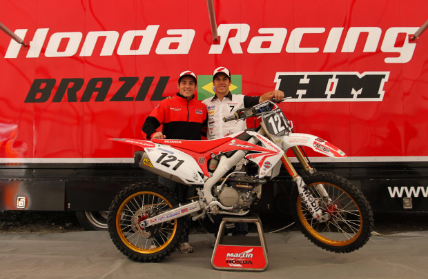 Swian Zanoni e Wellington Garcia, pilotos Honda no Mundial de Motocross - Crédito: Foto: Luiz Pires/VIPCOMM