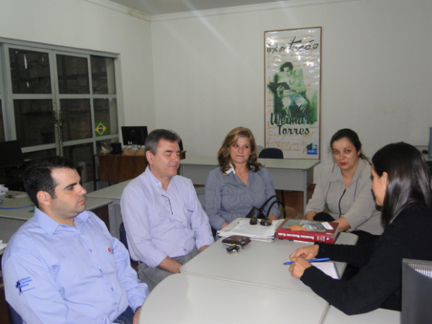 Locutores e presidente da Fundação Terceiro Milênio, em O PROGRESSO - Crédito: Foto: O Progresso