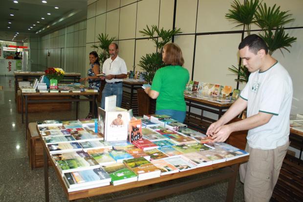 Feira de Livros Espírita acontece este fim de semana no shopping - Crédito: Foto : Hedio Fazan/PROGRESSO
