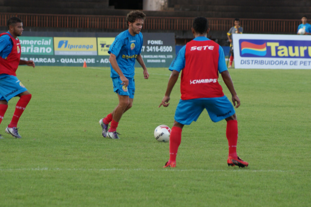 Sete de Dourados treinou essa semana ciente que pode Ter um grupo desfalcado de jogadores importantes - Crédito: Foto : Marcelo Humberto